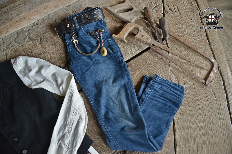 Blue de Gênes from Denmark developed a classic five pocket which is loaded with rich details. The jeans model is called 'Repi', named after Renzo Piano which is an Italian architect from Genoa. (Genoa i (516)