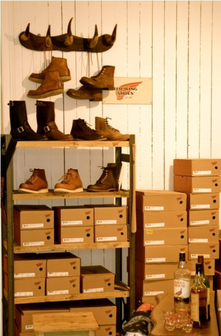 Kings & Queens shop store Antwerpen Antwerp jeans denim boots eat dust pike brothers red wing men's file vintage rock and roll LONG JOHN (5)