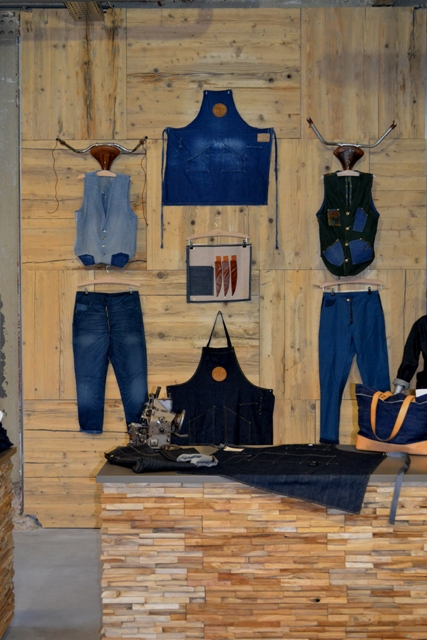 Mike van der Zanden Jean School - Lois Jeans Store Eindhoven long john blog denim expo jeans dutch design week ddw 2014 sneak preview handmade items limited editions blue raw rigid selvage selvedge dyemond goods bags ( (9)
