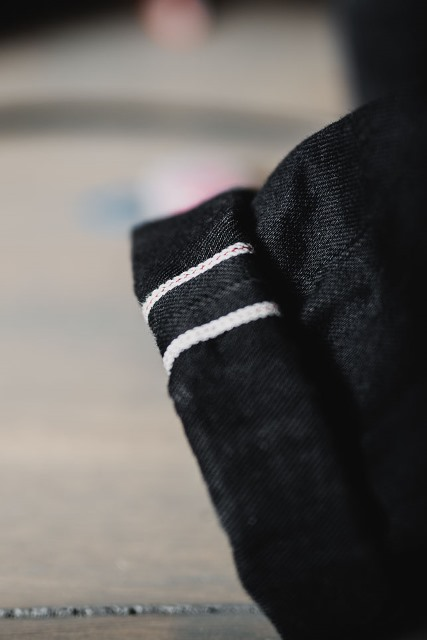 Steady-Eddie-Black-Selvage-Denimopedia_6 long john blog nudie jeans sweden maria 2015 fit selvage selvedge worn-out warps weft shuttle loom old worn vintagte  (6)