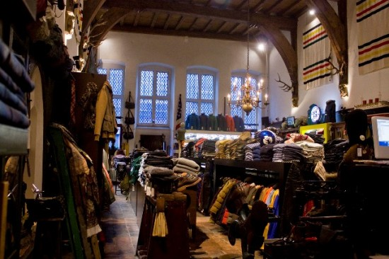 The Globe Arnhem shop store Holland Harry Wonder authentic shop vintage army clothing Rijnstraat LONG JOHN (5)