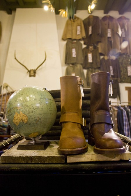 The Globe Arnhem shop store Holland Harry Wonder authentic shop vintage army clothing Rijnstraat LONG JOHN (8)