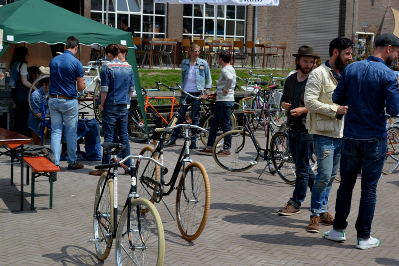 The denim run eindhoven holland long john blog wing mok emiel gerardu south of holland bikers bicycle customized fixies ketelhuis bbq strijp-s part 2 second edition wheels denim people denimheads blue raw rigid  ( (13)