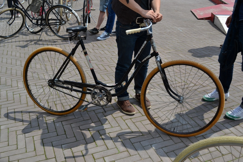 The denim run eindhoven holland long john blog wing mok emiel gerardu south of holland bikers bicycle customized fixies ketelhuis bbq strijp-s part 2 second edition wheels denim people denimheads blue raw rigid  ( (15)