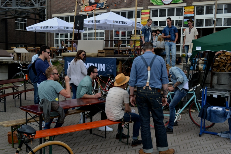 The denim run eindhoven holland long john blog wing mok emiel gerardu south of holland bikers bicycle customized fixies ketelhuis bbq strijp-s part 2 second edition wheels denim people denimheads blue raw rigid  ( (26)