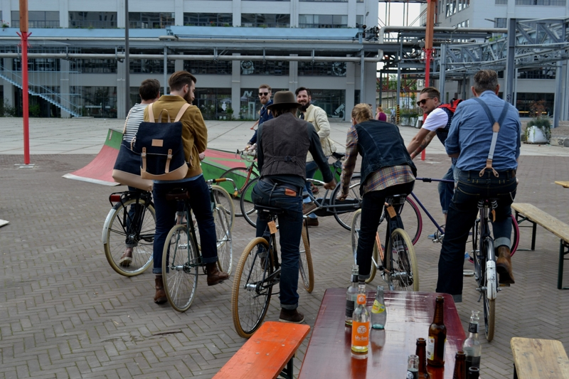 The denim run eindhoven holland long john blog wing mok emiel gerardu south of holland bikers bicycle customized fixies ketelhuis bbq strijp-s part 2 second edition wheels denim people denimheads blue raw rigid  ( (35)