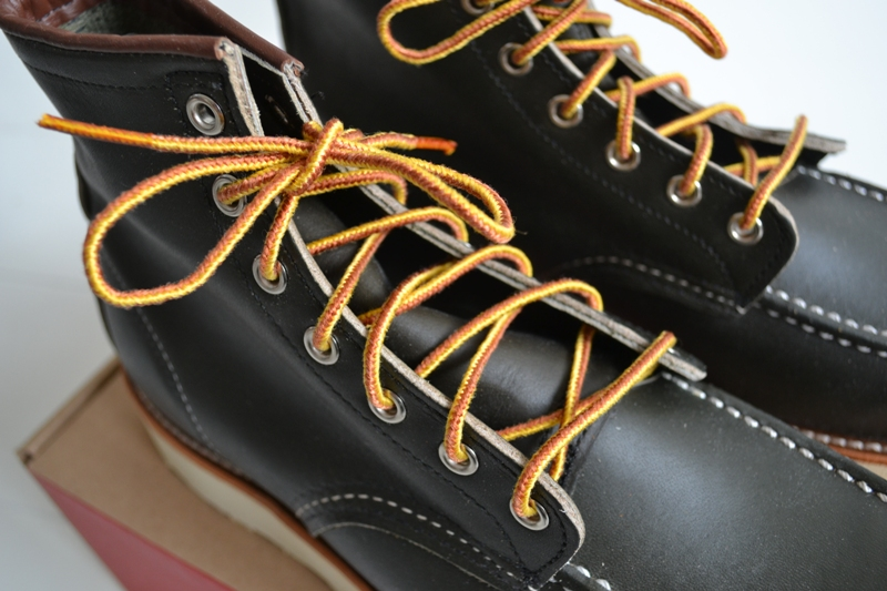 The-original-Red-Wing-888-next-to-the-new-Red-Wing-8180-Kangatan long john blog usa made goodyear welted construction workwear moc toe 1905 golden brown laces white sole army green kickers japan  (8)