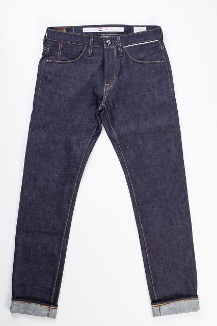 benzak denim developers bdd long john blog indigo collect mill japan jeans special fit 14oz selvage selvedge model white tee black 2016 lennaert nijgh leather patch (4)