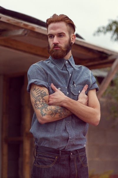 blue collar worker jeans long john blog uk london tim browne jeans denim lookbook werkmanskleding blauw blue authentiek authentic beard tattoo stripes navy army workwear boots footwear  (6)