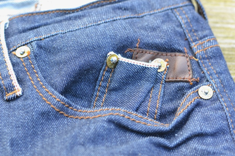 blue-de-genes-denmark-long-john-blog-jeans-denim-brand-clothing-indigo-shirts-fabrics-textilles-fabric-kleding-merk-selvage-selvedge-14  (6)