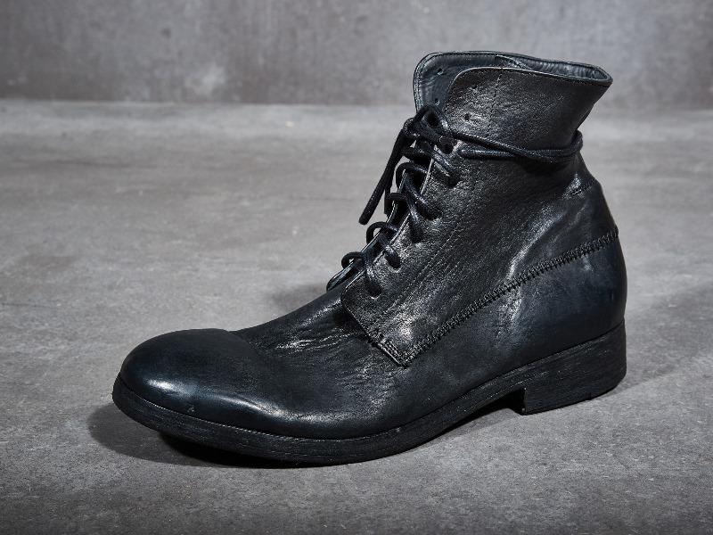 blue-de-genes-lookbook-winter-fall-2016-long-john-jeans-denim-photography-photos-photo-styling-clothing-jeans-denim-blouse-knitwear-denmark-genua-4-shoes-footwear-14