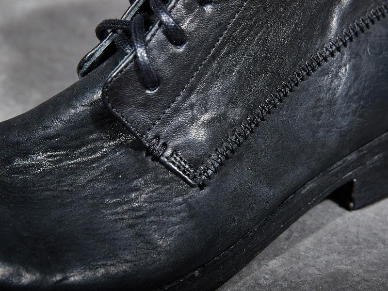 blue-de-genes-lookbook-winter-fall-2016-long-john-jeans-denim-photography-photos-photo-styling-clothing-jeans-denim-blouse-knitwear-denmark-genua-4-shoes-footwear-19