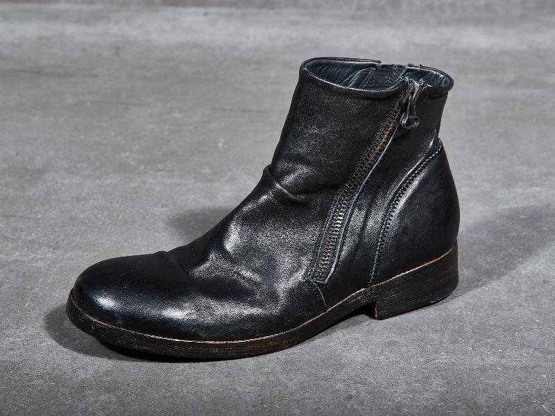 blue-de-genes-lookbook-winter-fall-2016-long-john-jeans-denim-photography-photos-photo-styling-clothing-jeans-denim-blouse-knitwear-denmark-genua-4-shoes-footwear-21