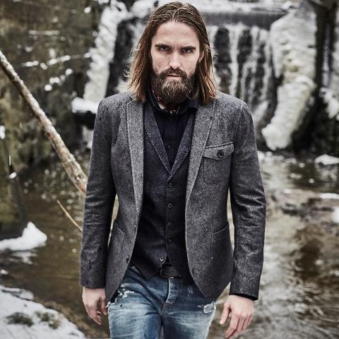 blue-de-genes-lookbook-winter-fall-2016-long-john-jeans-denim-photography-photos-photo-styling-clothing-jeans-denim-blouse-knitwear-denmark-genua-41-5