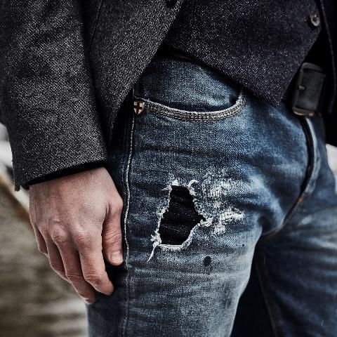 blue-de-genes-lookbook-winter-fall-2016-long-john-jeans-denim-photography-photos-photo-styling-clothing-jeans-denim-blouse-knitwear-denmark-genua-41-6
