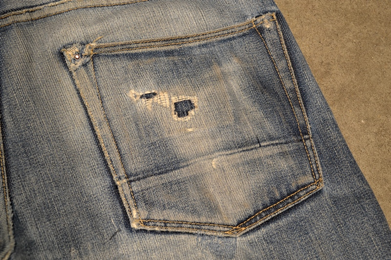 bob rijnders best of brands hoogland long john blog denim jeans butcher of blue worn-out holland repair patched hook blue unwashed selvage selvedge rigid torn patch 2 years old rinse 5 pocket  (16)