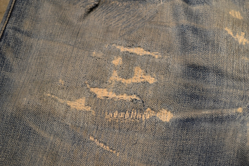 bob rijnders best of brands hoogland long john blog denim jeans butcher of blue worn-out holland repair patched hook blue unwashed selvage selvedge rigid torn patch 2 years old rinse 5 pocket  (5)