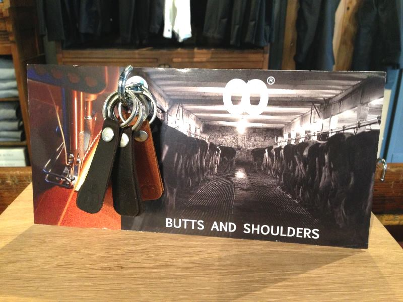butts and shoulders display store retail rotterdam long john blog bags worker travel brown dark brown keyrings leather handmade holland 2015 rough collection (1)