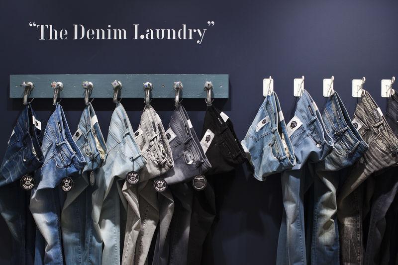 denham store antwerp long john blog 2015 jason denham jeans denim selvage selvedge rigid raw blue blauw spijkerbroek amsterdam store shop denham the jeanmaker opening  (2)