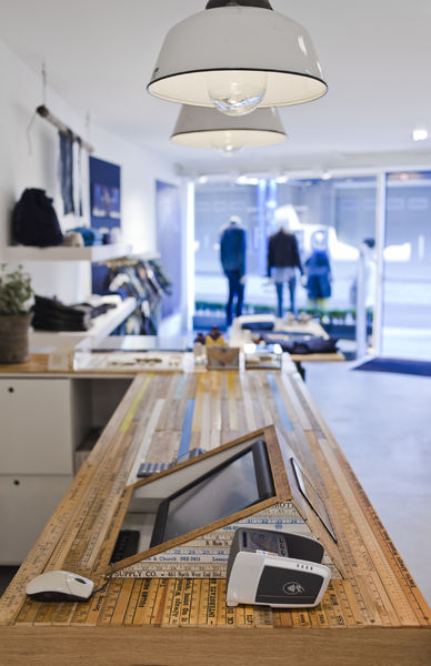 denham store antwerp long john blog 2015 jason denham jeans denim selvage selvedge rigid raw blue blauw spijkerbroek amsterdam store shop denham the jeanmaker opening  (5)