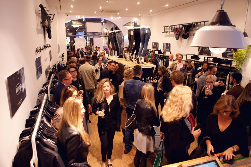 denham store dusseldorf september 2015 retail long john blog jeans denim winkel new nieuw clothing clothes blue indigo collection fall winter germany amsterdam (3)
