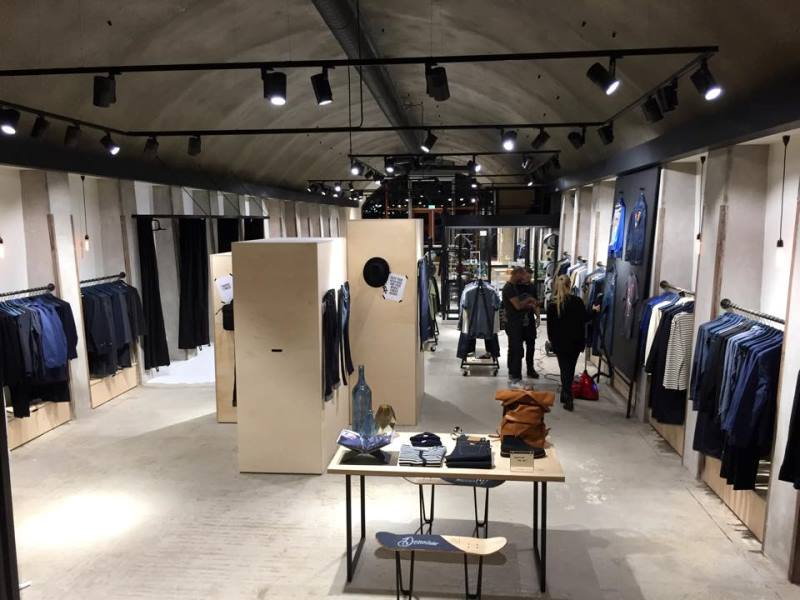 denoism rotterdam store retail long john blog denim jeans men mannen winkel holland netherlands blue indigo coffee koffie custom jeans hand made 2015 niek logger cafe  (2)
