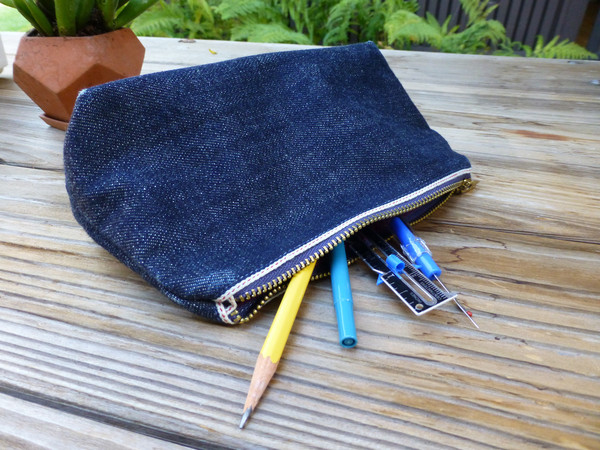 farmtown denim long john blog sacramento california californie usa jeans denim products selvage selvedge leather natural tanned leather lifestyle bracelet pencil case totebag (1)