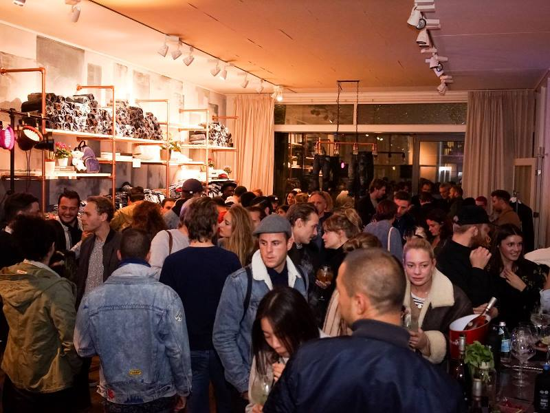 isko-event-long-john-blog-amsterdam-office-opening-2016-denim-fabric-mill-jeans-denimpeople-denimheads-denimdudes-sashikodenim-dailybags-handmade-ivy-lee-production-sashiko-turkey-10