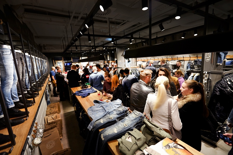 jack-and-jones-long-john-blog-jeans-intelligence-studio-salzburg-store-shop-austria-denim-jeans-new-2016-fall-winter-concept-blue-indigo-spijkerbroek-bestseller-25