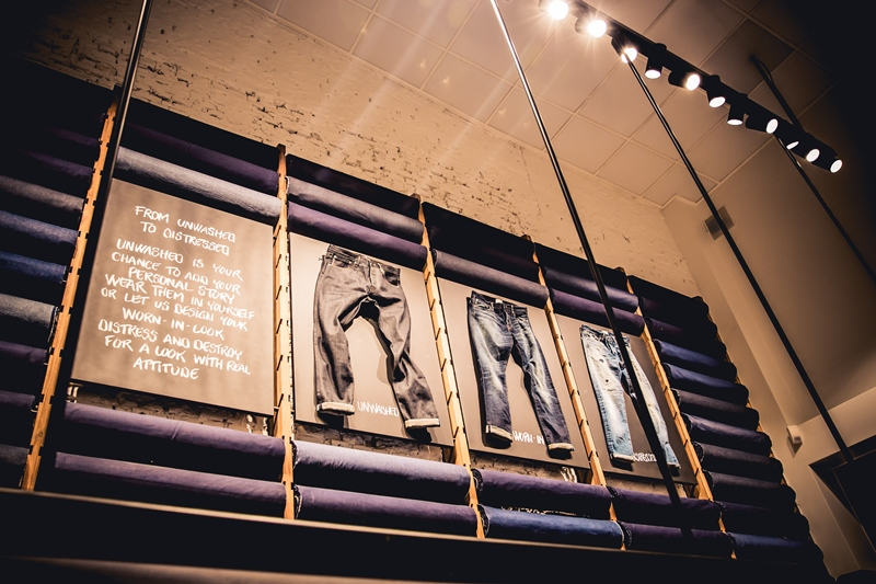 jeans-intelligence-studio-tilburg-long-john-blog-store-jeans-denim-jack-and-jones-menswear-blue-indigo-december-2016-opening-open-heuvelstraat-music-food-drinks-15