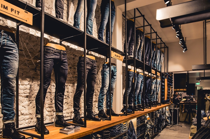 jeans-intelligence-studio-tilburg-long-john-blog-store-jeans-denim-jack-and-jones-menswear-blue-indigo-december-2016-opening-open-heuvelstraat-music-food-drinks-2