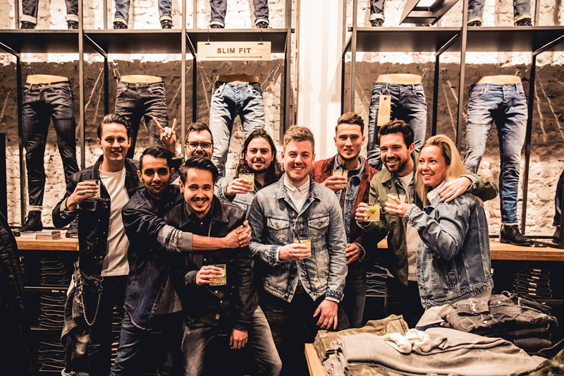 jeans-intelligence-studio-tilburg-long-john-blog-store-jeans-denim-jack-and-jones-menswear-blue-indigo-december-2016-opening-open-heuvelstraat-music-food-drinks-20