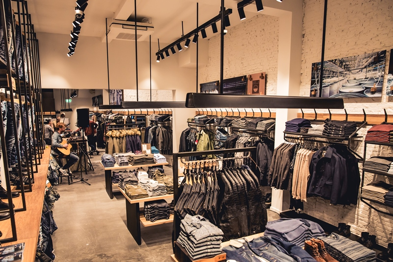jeans-intelligence-studio-tilburg-long-john-blog-store-jeans-denim-jack-and-jones-menswear-blue-indigo-december-2016-opening-open-heuvelstraat-music-food-drinks-22