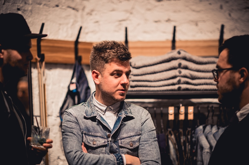 jeans-intelligence-studio-tilburg-long-john-blog-store-jeans-denim-jack-and-jones-menswear-blue-indigo-december-2016-opening-open-heuvelstraat-music-food-drinks-29