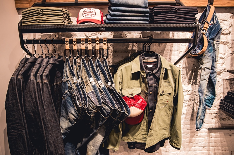 jeans-intelligence-studio-tilburg-long-john-blog-store-jeans-denim-jack-and-jones-menswear-blue-indigo-december-2016-opening-open-heuvelstraat-music-food-drinks-4