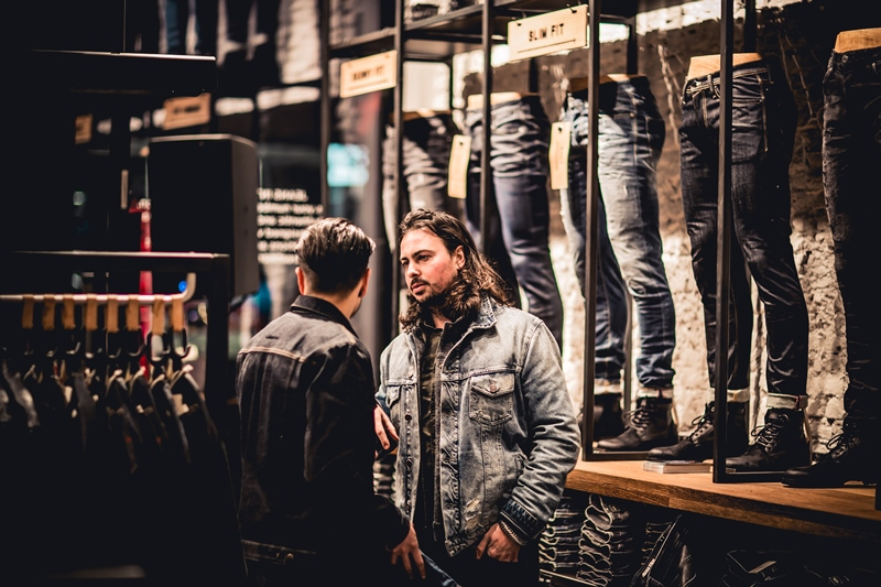 jeans-intelligence-studio-tilburg-long-john-blog-store-jeans-denim-jack-and-jones-menswear-blue-indigo-december-2016-opening-open-heuvelstraat-music-food-drinks-44