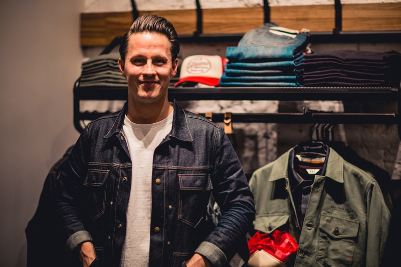 jeans-intelligence-studio-tilburg-long-john-blog-store-jeans-denim-jack-and-jones-menswear-blue-indigo-december-2016-opening-open-heuvelstraat-music-food-drinks-50