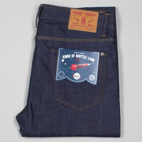 kings of indigo shuttle loom tony tonnaer long john blog amsterdam jeans denim rigid koi selvage selvedge blue rigid raw unwashed 5 pocket leather patch re-use repair indigo  (2)