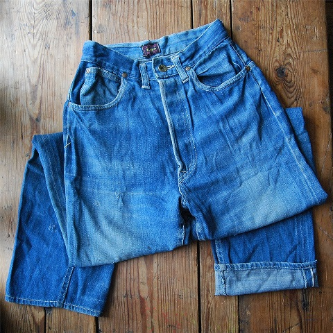 lee jeans vintage long john blog blue denim jeans ragtop clothing market david white 1945 selvage selvedge patch label needle spijkerbroek oud versleten blauw inseam pocket 5 pocket rivet rivets (3)