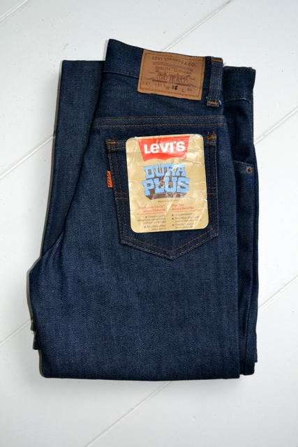 levis levi's jeans denim dupra plus vintage long john blog freelance marketing specialist fashion brands deadstock unwased raw rigid orange tab treasure flare pipes 1976 talon zipper 42 24 buttons 5 pocket (2)