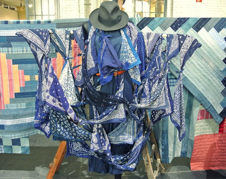 lizzie kroeze facing west amsterdam indigo long john blog expo workwear jackets jeans denim blue textilles clothing bread and butter july 2014 germany handmade sashiko japan usa us traditional (9)