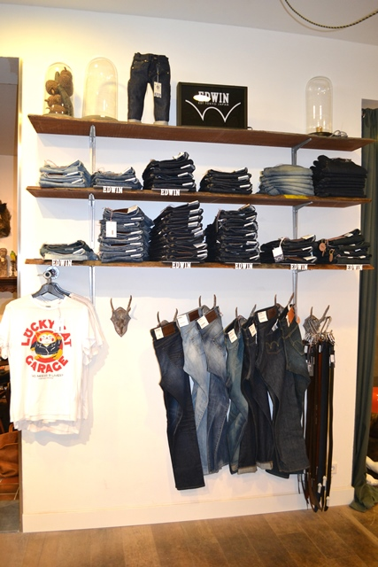 m-perception maastricht store shop long john blog jeans denim butts and shoulders flowers clothing nl holland books footwear shoes true fit denim dudes bob koi edwin japan (31)
