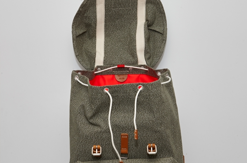 nigel-cabourn-atelier-de-larmee-bag-bagpack-long-john-blog-2016-limited-edition-special-army-military-green-leather-amsterdam-uk-cognac-8