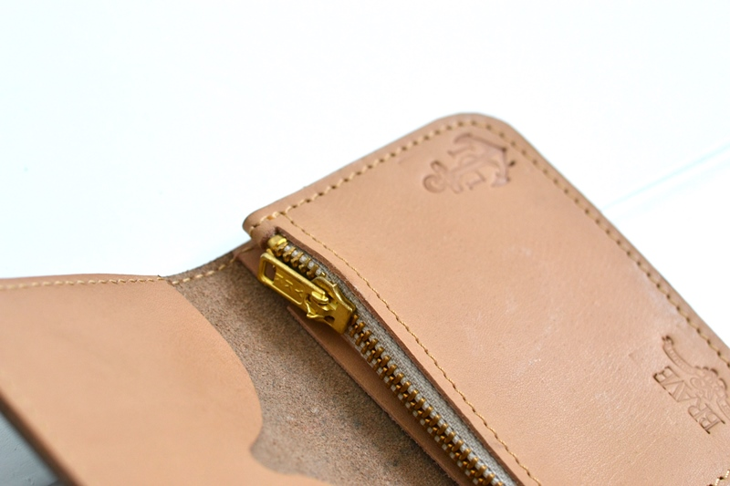 obbi good label long john wallet keyfob natural tanned leather products collab collaboration limited edition sale special price aged ageing virgin leer  (7)
