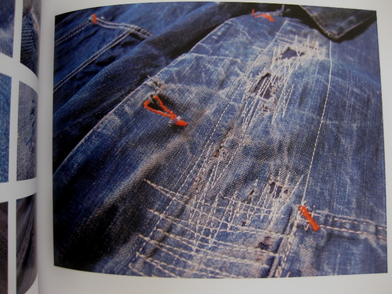 piero turk long john blog details book a life with denim italy jeans denim selvage buttons fabric close-up blue worn-out tear designer consultant manic monkeys (5)