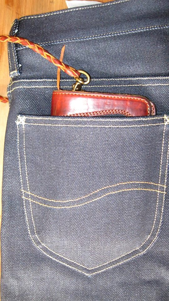pol houtkamp lee 101 wallet 23oz worn-out long john blog denim jeans selvage selvedge blue indigo leather ageing aged oud geworden spijkerbroek marketing specialist events expo  (6)