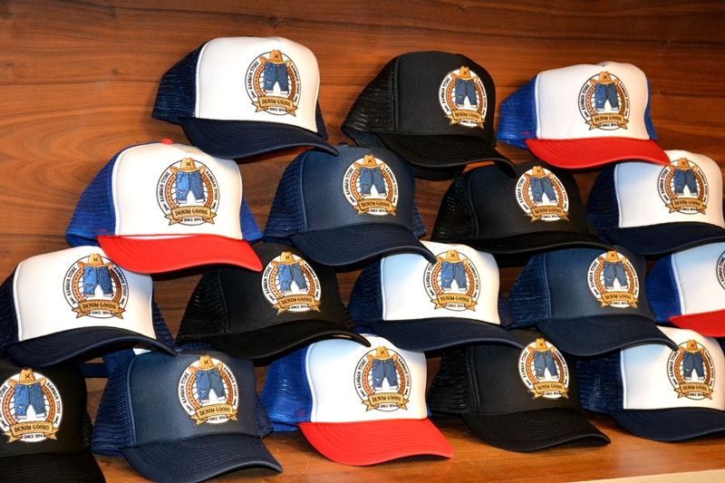 rambam store shop eindhoven holland long john blog jeans spijkerbroeken winkel stad city authentic since 1974 trucker cap 2015 limited edition give a way display pet  (2)
