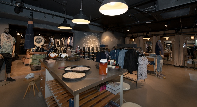 the bakery long jonh blog store shop blue jeans denim bread brood reusel holland redwing denham koi kings of indigo bakkersstraat opening 2015 open nieuw new indigo fresh vers (11)
