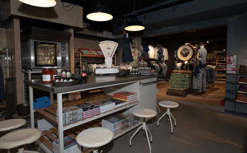 the bakery long jonh blog store shop blue jeans denim bread brood reusel holland redwing denham koi kings of indigo bakkersstraat opening 2015 open nieuw new indigo fresh vers (12)