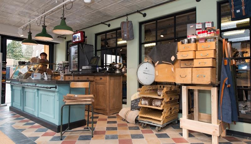 the bakery long jonh blog store shop blue jeans denim bread brood reusel holland redwing denham koi kings of indigo bakkersstraat opening 2015 open nieuw new indigo fresh vers (6)